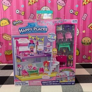 Shopkins Happy Places Playset and One Blind Box